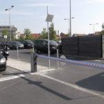 Barrière-levante-bleu-sécurité-parking-YVES-CARTON-PORTAILS-LILLE
