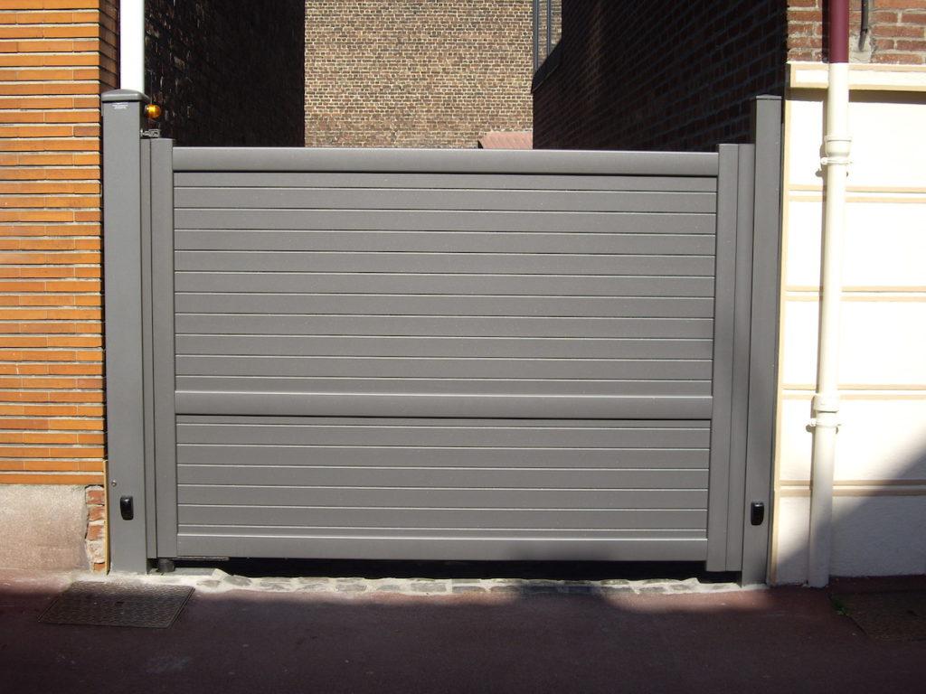 Portail-battant-1 vantail-gris-YVES-CARTON-PORTAILS-LILLE