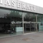 Porte-piétonne-coulissante-magasin-YVES-CARTON-PORTAILS-LILLE