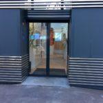 Porte piétonne coulissante + volet roulant - Yves Carton