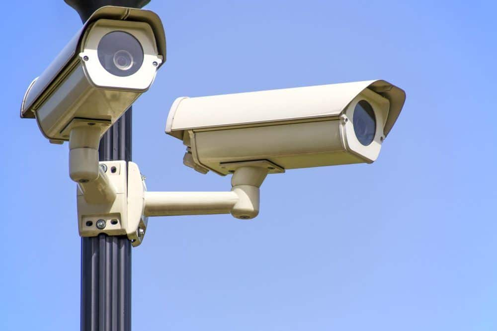 Caméra-vidéosurveillance-YVES-CARTON-PORTAILS-LILLE