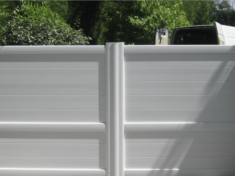 portail blanc battant