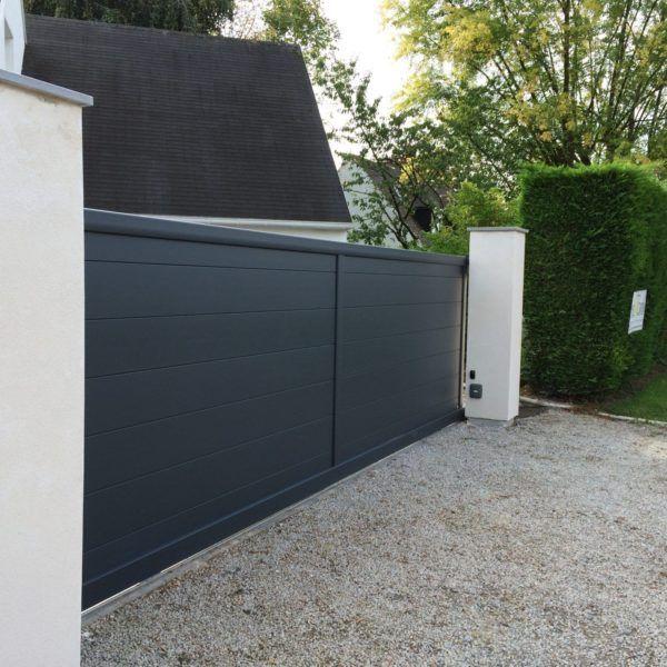 Portail-coulissant-lille-plein-larges-lames-Yves-Carton