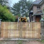 Installation d'un portail aluminium avec habillage bois à Croix l Yves Carton