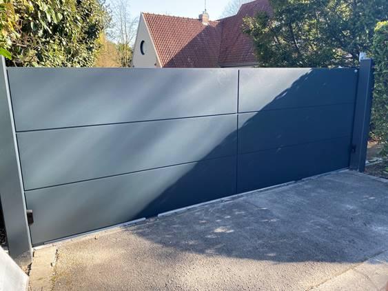 Installation portail tôlé en aluminium à Bondues l Yves Carton