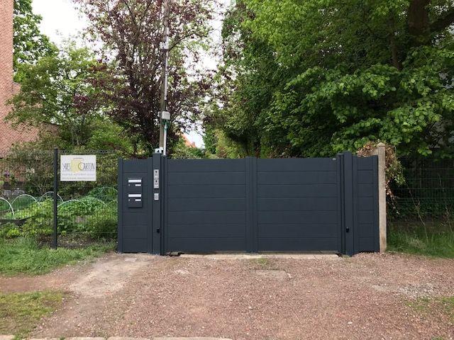 Après installation d'un portail battant motorisé par Yves Carton